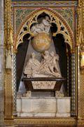 Newton's monument