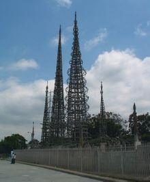 Watts_towers_wikipedia_2
